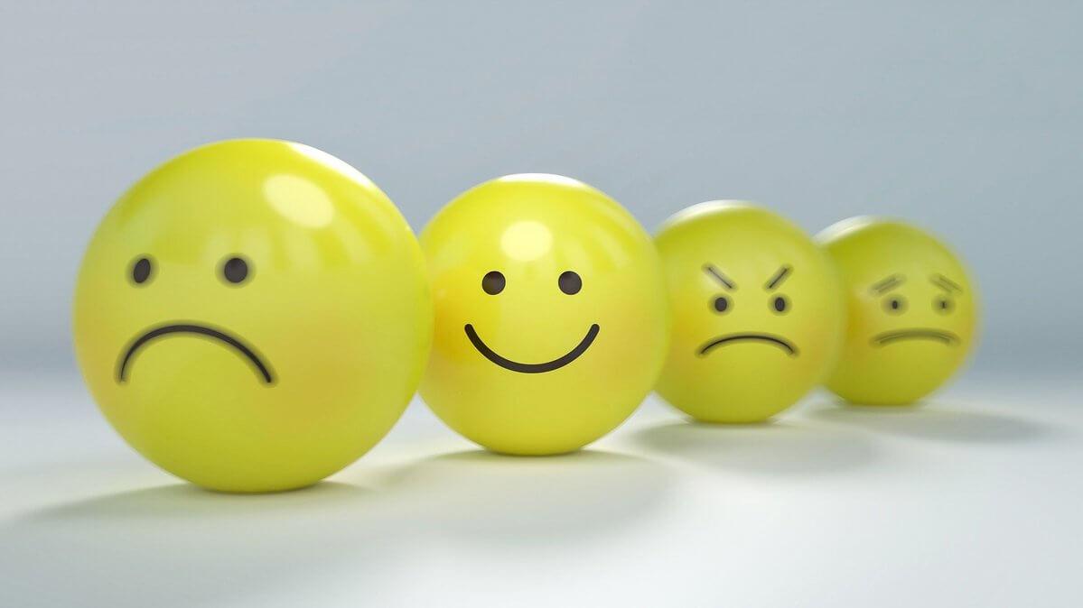 怒り、笑顔